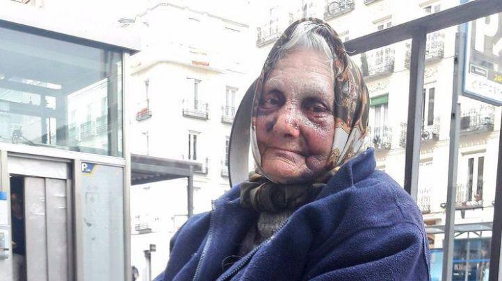 Le dan una paliza a una anciana 'sin techo' en Chamberí