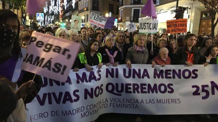Madrid se tiñe de morado contra la violencia de género