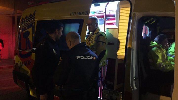 Samur - Protección Civil atiende al hombre herido por herida de arma blanca