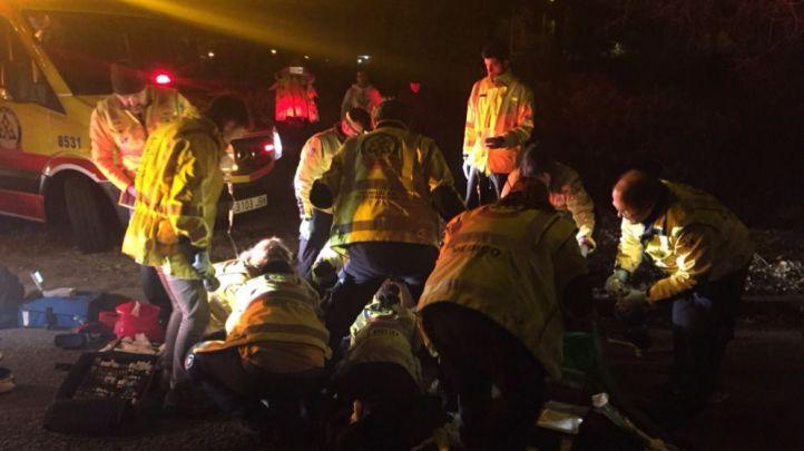 Los servicios de emergencias intentan reanimar al herido