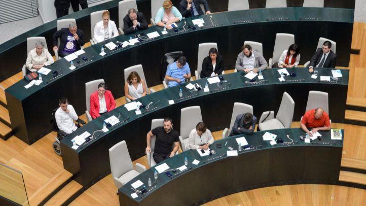 Seis concejales de Carmena votan en contra de su partido