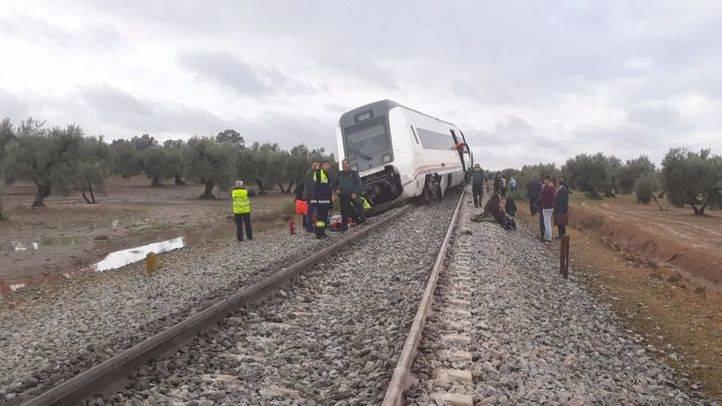 Tren descarrilado en Sevilla