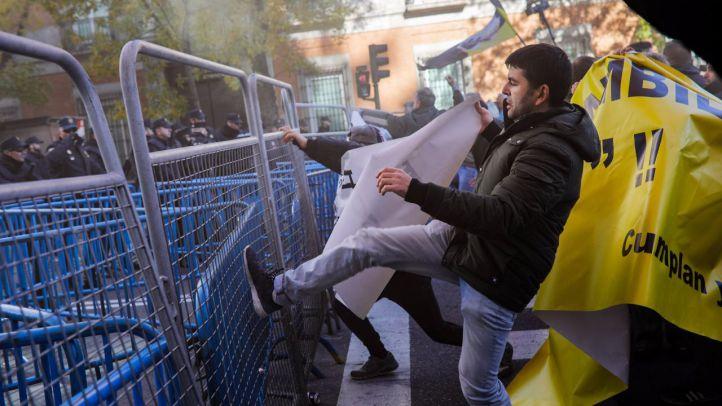 La huelga del taxi termina con la amenaza de un paro indefinido