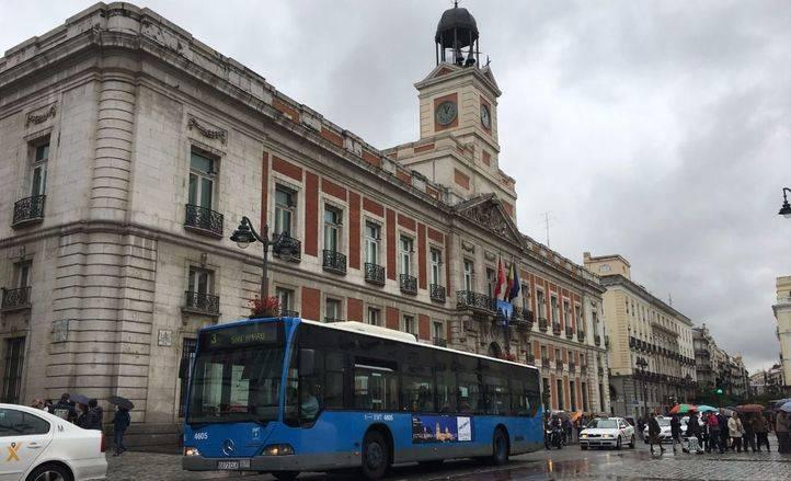 Autobús de la EMT en la Puerta del Sol.