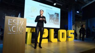 Humanos y robots, según Amber Case, en la renovada revista Telos