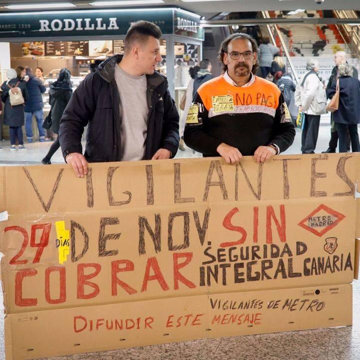 Huelga de vigilantes de seguridad en el metro por imapagos de la empresa Seguridad Integral Canaria.
