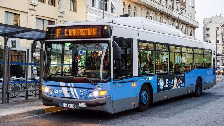 Imagen de archivo de un autobús de la Línea F a Ciudad Universitaria de la EMT.