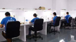 ¿Cuál es el mejor lugar para reparar un dispositivo Apple en Madrid o Mallorca?