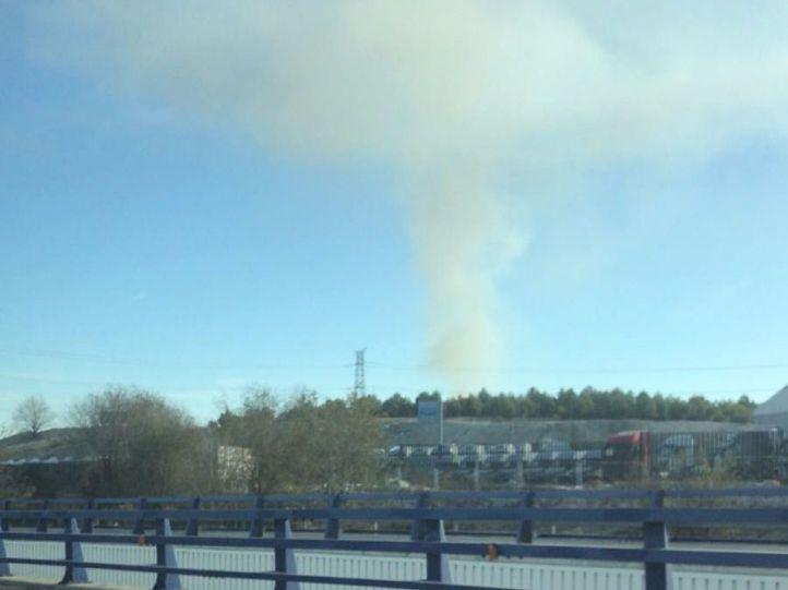 La columna de humo era visible desde la A-3