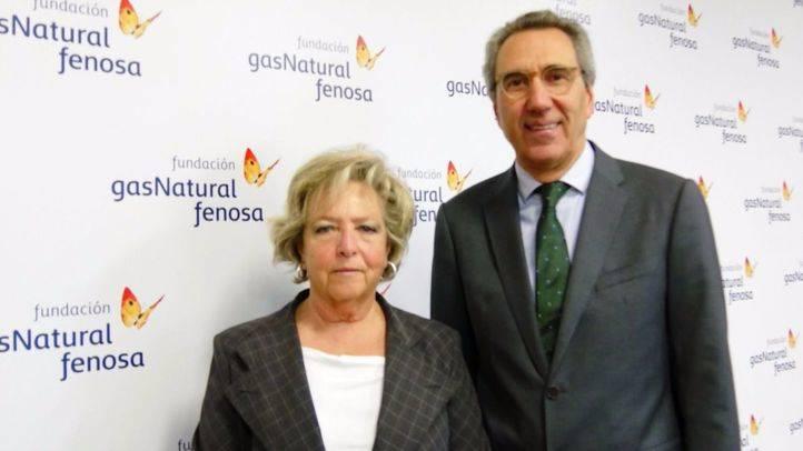 Margarita de Luxán, autora del libro, y Martí Solà, director general de la Fundación Gas Natural Fenosa.