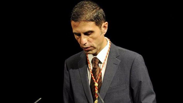 El alcalde, Javier Rodríguez, participa en la lectura continuada del Quijote en Alcalá