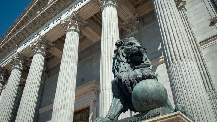 La ley que flexibiliza la regla de gasto supera el primer examen