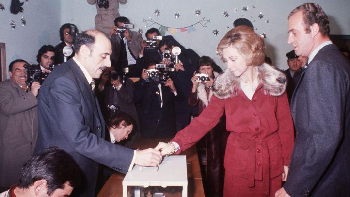 El día que murió el franquismo y resurgió la democracia