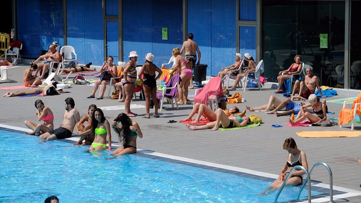 Las entradas a las piscinas municipales de verano a la for Piscinas verano madrid