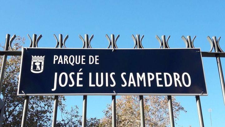 Plaza de los jardines de José Luis Sampedro en el distrito de Chamberí