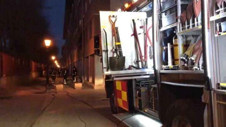 Cuatro heridos en un fuego en una vivienda en Alcalá
