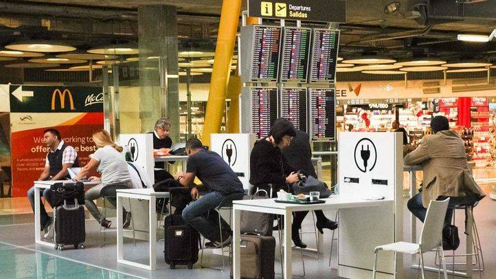 Los hosteleros del aeropuerto secundarán los paros convocados