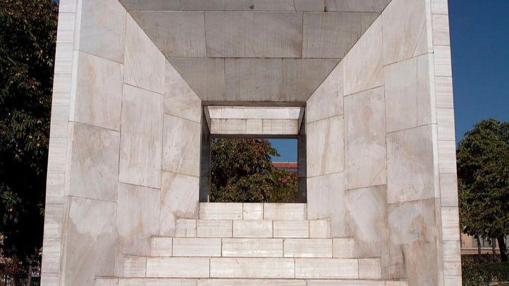 El cubo 'constitucionalista' que decora la Castellana