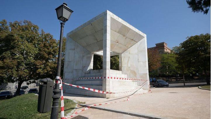 Monumento a la Constitución en el Paseo de la Castellana.