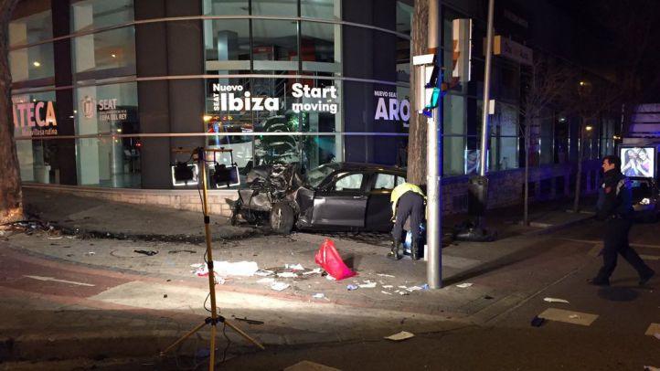 Tres heridos tras el accidente entre un turismo y un taxi