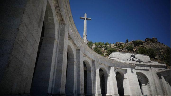 Una de las dos alas simétricas del controvertido mausoleo.