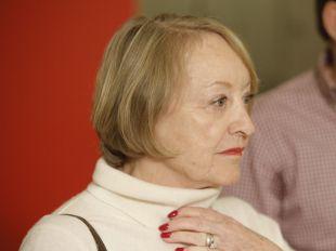 Yvonne Blake, con