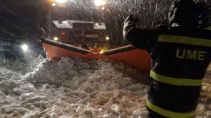 El Gobierno y la DGT generan la ira de la ciudadanía tras el caos por el temporal de nieve