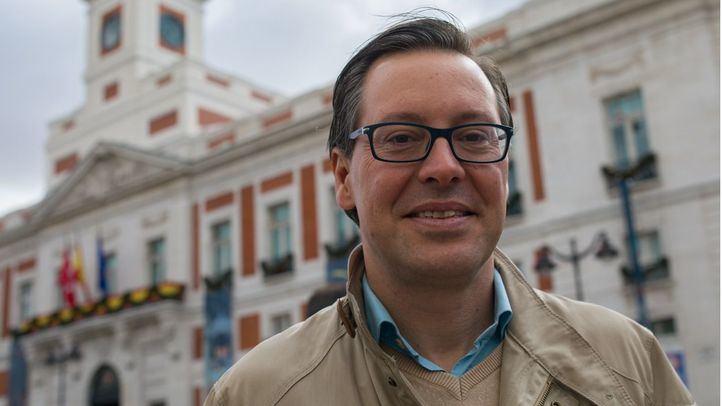 Alfonso Serrano, en la Puerta del Sol.