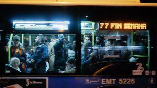 Según los vecinos, la única línea de bus que pasa por el barrio 'tiene muy mala frecuencia'.