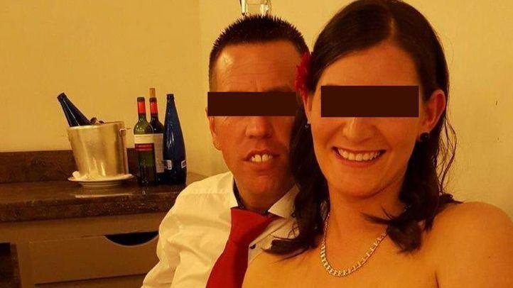'El Chicle' y su mujer, en una imagen de Facebook.