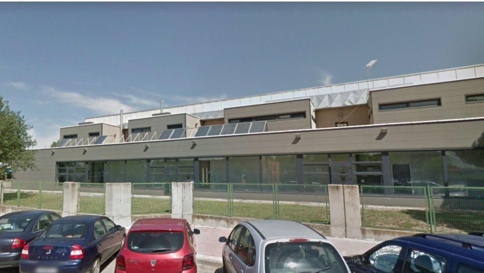 Villalba invertir medio mill n en renovar su piscina for Piscina villalba