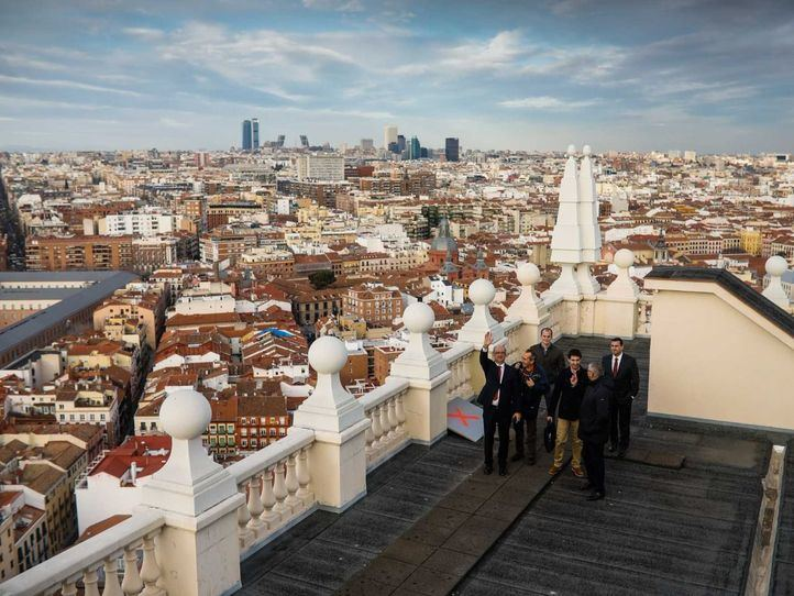La azotea, en la planta 25, ofrece unas grandes vistas de la capital.