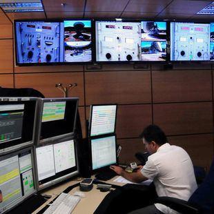 NASA Estación de Robledo Chabela, cientifico trabajando
