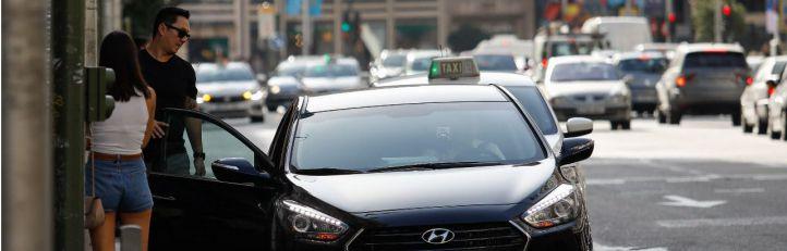Paradas 'ilegales': nuevo enfrentamiento entre taxis y VTCs