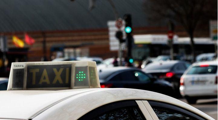 La Comunidad 'vigila' los desafíos del taxi
