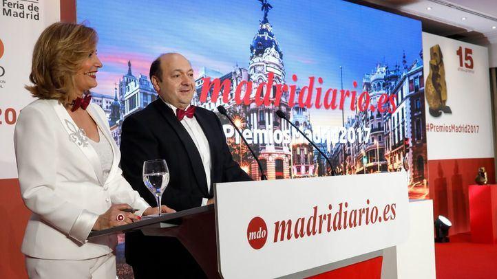 Nieves Herrero y Contantino Mediavilla presentadores de la gala.