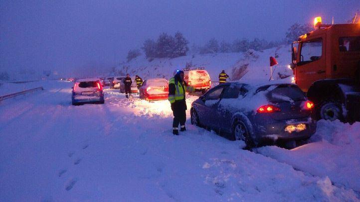 La nevada provocó el caos en la AP-6 durante el fin de semana del 6 y 7 de enero.