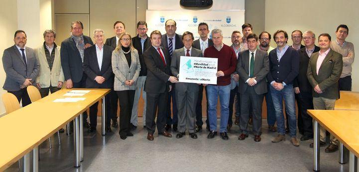 Alcaldes y representantes de 17 municipios del norte se reúnen para reivindicar una mejor movilidad en su zona.