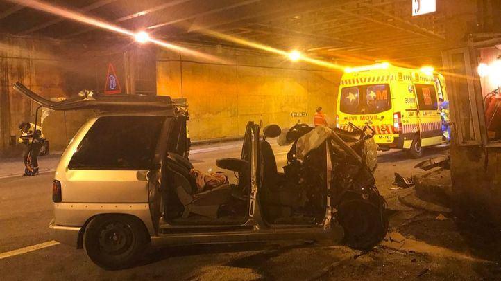 Así ha quedado el vehículo tras el accidente en un túnel de la AP-6 en Guadarrama