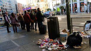 Tirar basura y miccionar en la calle: las sanciones de limpieza más comunes