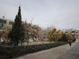 Ruidos, suciedad y amenazas en un parque de Tetuán