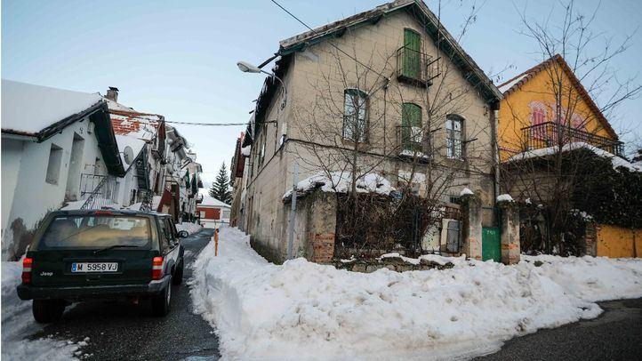 Calles atestadas de nieve en San Rafael (Segovia), este mes.
