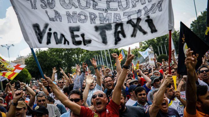 El sector del taxi, en manos de Elpidio Silva para tumbar a Uber y Cabify