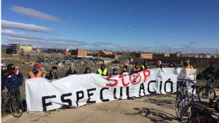 La protesta por la Operación Chamartín reúne a medio centenar de personas