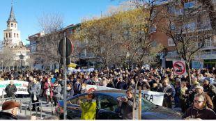 La protesta ha reunido a cerca de 300 personas