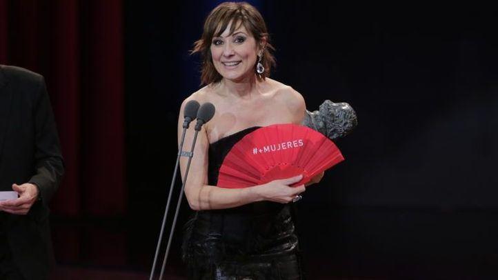 Nathalie Poza recoge el Goya a la mejor interpretación femenina por su papel en la película No sé decir adiós.