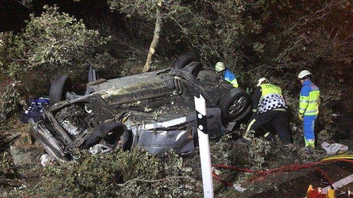 Accidente de tráfico en el kilómetro 25 de la M-510 km, a la altura de Navalagamella. Un turismo se ha salido de la vía al esquivar a un jabalí.