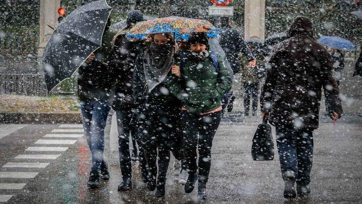 La gran nevada ha causado incidencias en toda la región.