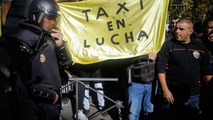La 'batalla judicial' entre los taxistas y Uber, el 17 de abril
