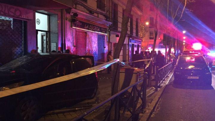 Los servicios de emergencias en la calle Vallehermoso